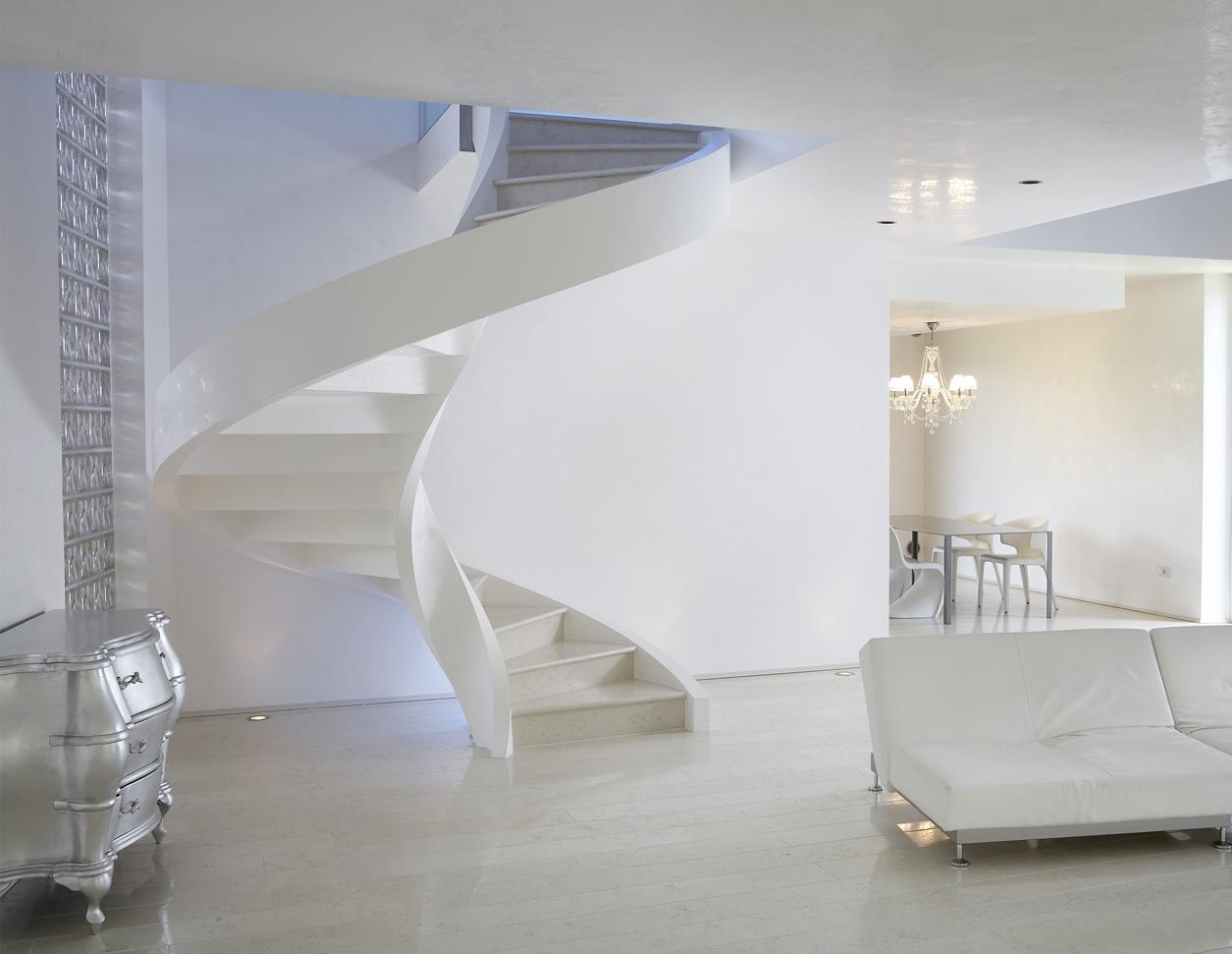 السلالم الحلزونية