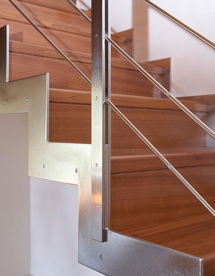Scale autoportanti a giorno in ferro acciaio legno per - Scale in legno per interno ...